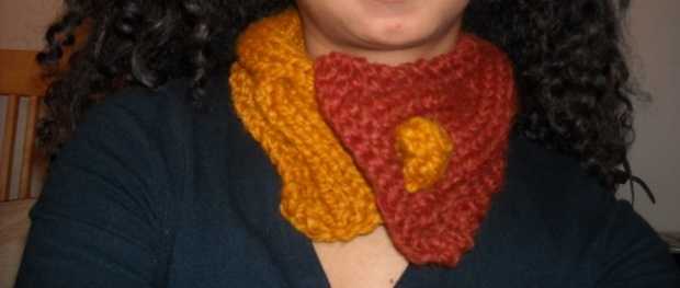 cabled and bobble neckwarmer1